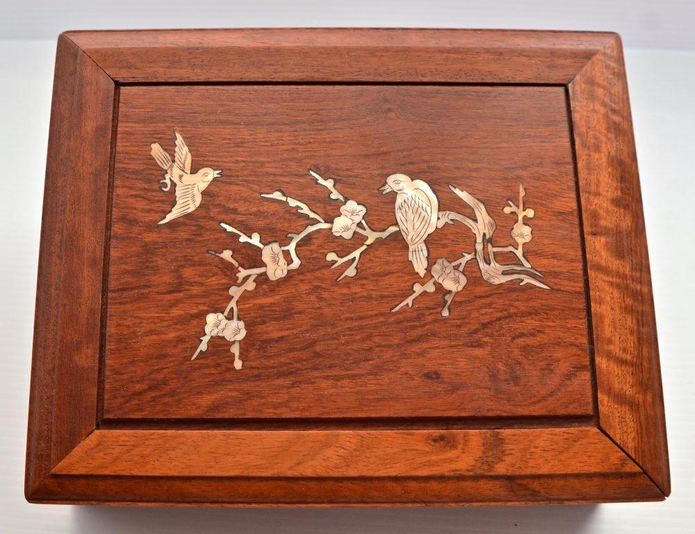 LAW 22_0764_B. Bone/Bamboo.